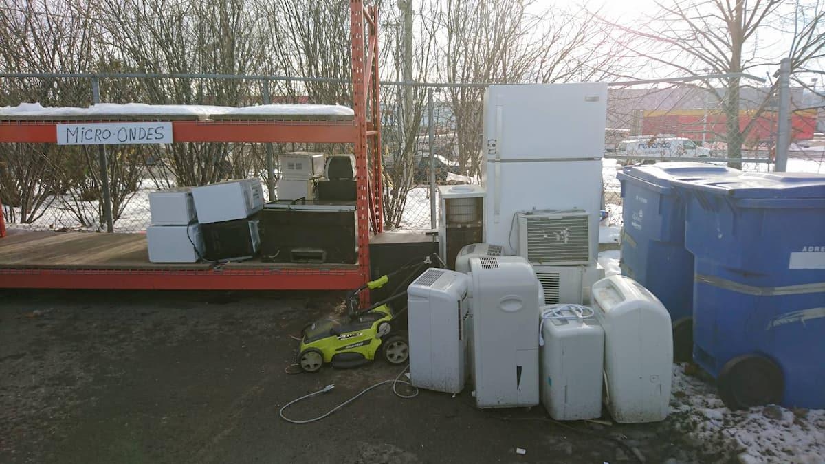 リサイクルセンターに捨てた電化製品