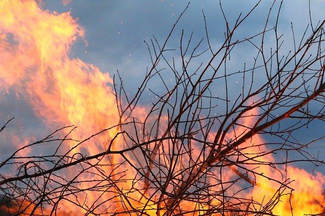 ケベックの大火事ようやく終息か