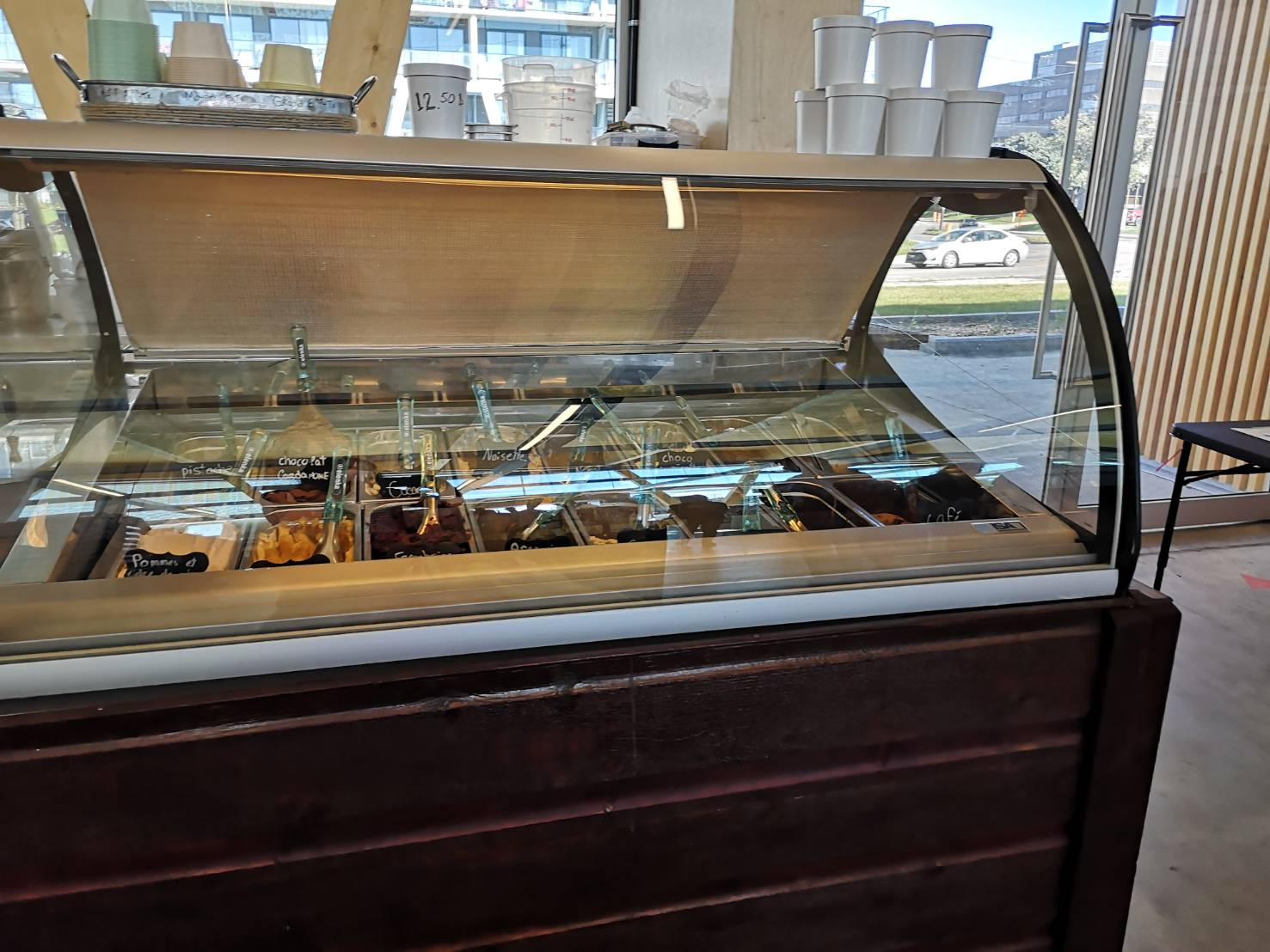 ソントフォワ市場のアイスクリーム